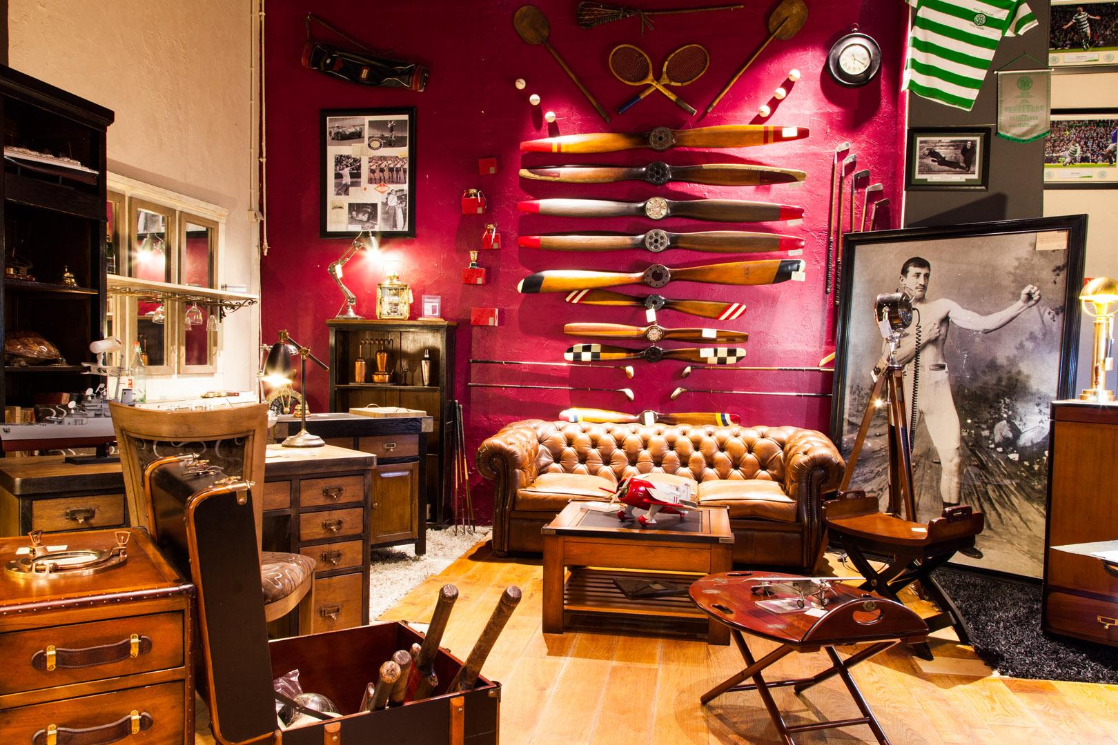 latitude d co des meubles et objets qui racontent une histoire. Black Bedroom Furniture Sets. Home Design Ideas